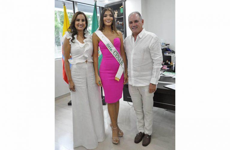 Kathleen Mariño recibió oficialmente la banda de Señorita Cesar