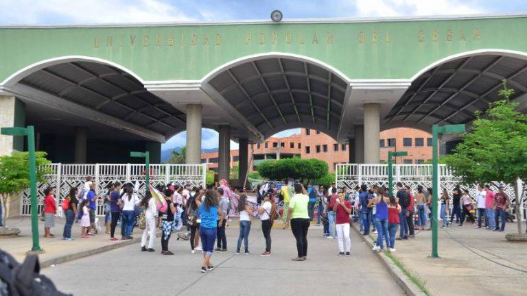 Hasta no obtener solución, estudiantes de la UPC se mantienen en manifestación pacífica