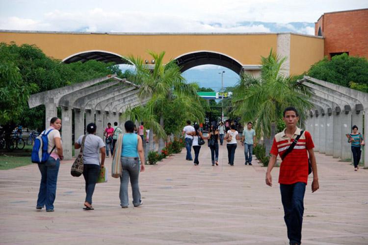 Suspenden elección de representantes para estudiantes y egresados de la UPC