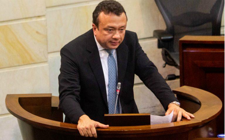 Capturan al senador Eduardo Pulgar por ofrecer «200 barras» a un juez