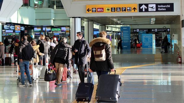 Aeropuertos del mundo toman medidas clave por variante delta