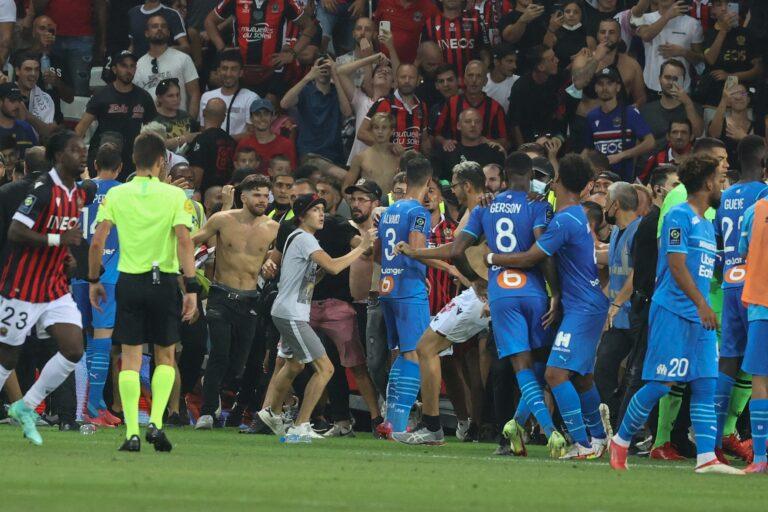 Payet respondió agresiones de hinchas y se desató batalla en Niza vs. Marsella