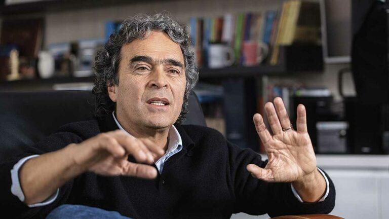 Alejandro Gaviria se compromete a aportar con ideas transformadoras al centro tras fallas de Fajardo en 2018
