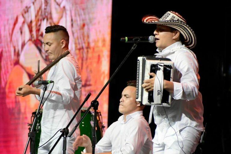 Daniel Paternina nuevo Rey Aficionado del Festival Vallenato