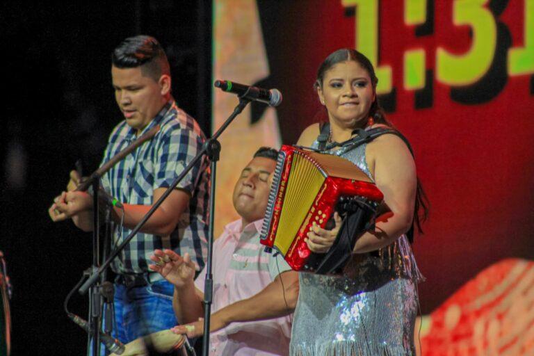 """""""Mi sueño musical es tocar con Silvestre"""": Reina Mayor del Acordeón"""